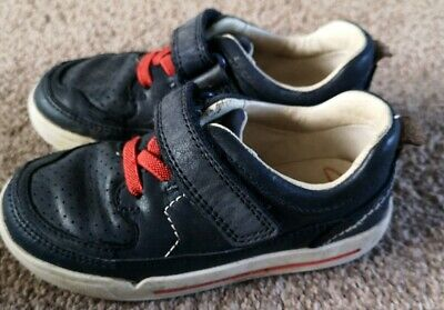 Clarks AWARD LEAP NAVY Boys Leather Washable Trainers Shoes 8-3 EFGH Fit BOXED