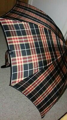 Burberry Walking Umbrella in Very Good Condition