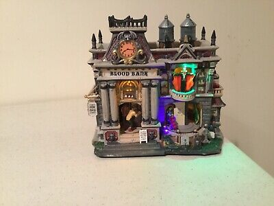Lemax Spooky Town 55239 The Blood Bank Lights Sounds Animated w/ box & adaptor