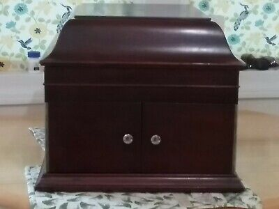 Antique Victor Talking Machine Style VV Phonograph