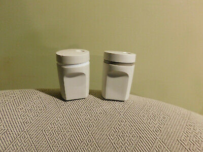 Tupperware Almond Colored Salt & Pepper Shakers (#1471)
