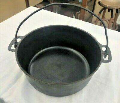 "Griswold # 8 Cast Iron Dutch Oven Large Logo ""ERIE"" 833 A"