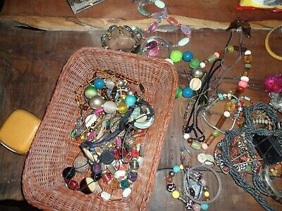 JOB LOT OF MIXED VINTAGE & MODERN COSTUME JEWELLERY more- 100 PIECES