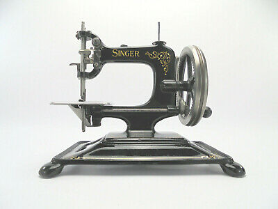 First Batch Singer 30k Antique Sewing Machine c.1912 Complete w/ Cast Iron Base
