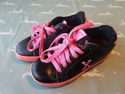 SIDEWALK SPORTS HEELYS Girl's Black & Pink Shoes Size UK 1