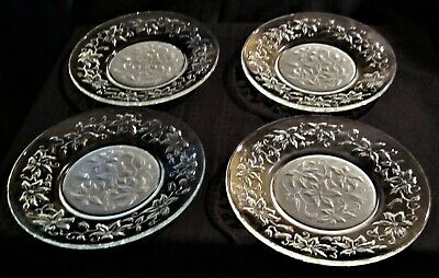 Set Of 4 Princess House Fantasia Poinsettia Salad/Dessert Plates