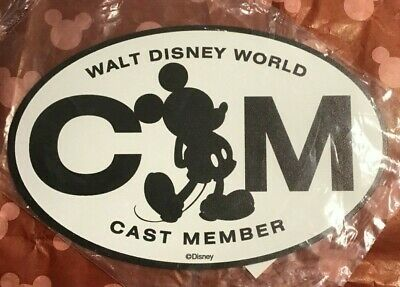 NEW Authentic Walt Disney World Cast Member Mickey Annual Passholder Magnet Oval