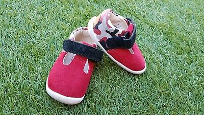 Beautiful Infant Toddlers Girls Shoes from CLARKS. Size UK 2F, EUR 17.5