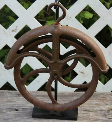 Vintage 🕳 Cast Iron 🕳 Water Well Pulley 🕳 Barn Pulley Wheel 🕳  Size 14""