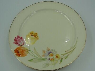The Edwin M. Knowles China Co. Made In Usa 37-2 Hostess Shape Set Of 6 Plates