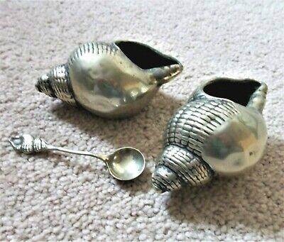 Antique EPNS shell design salt and pepper cruet set. with spoon