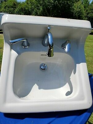 Vtg/Ant - WHITE PORCELAIN CERAMIC WALL MOUNT SMALL SINK - With Fixture Faucet
