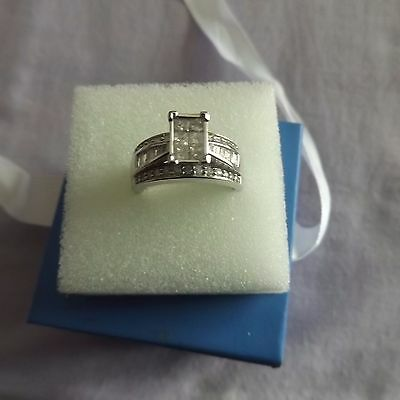 18 ct White Gold Engagement Ring.