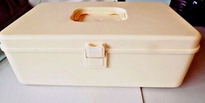 Vintage Sewing & Thread Box Plastic Organizer Metal Bobbins Singer Foot