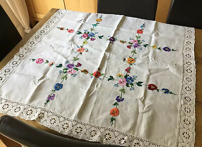 Vintage Hand Embroidered Tablecloth ~ Stunning Flowers And Crochet Lace