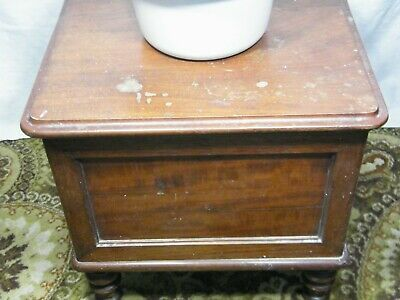 A Antique Victorian Commode 1837-1901, needs refurbishment & French Polish.