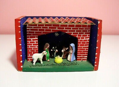 Vintage Small Wooden Nativity Nice Design Very Detailed from Peru Exc Condition