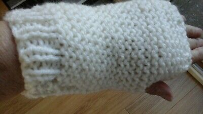 new hand knitted ladies/teenagers chunky wristwarmers/fingerless gloves