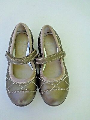 Clarks Leather Upper Toddler Girls Shoes SZ 9 1/2 M Gray/Silver GrayishSilverish