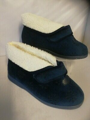 Ladies cosyfeet slippers size 6 extra roomy  Blue sleepy