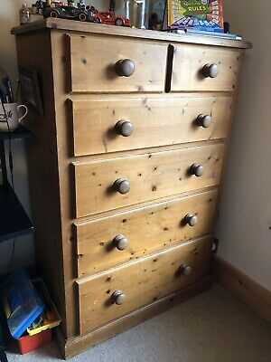 Chucky Country Farmhouse Victorian Style Large pine chest of drawers. 4 + 2