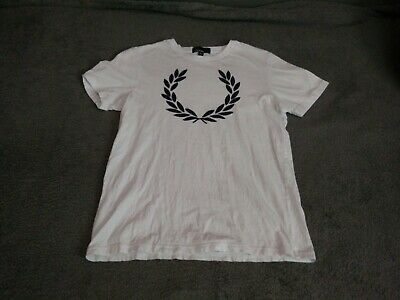 FRED PERRY PRINTED Laurel Wreath T Shirt $70.00   PicClick