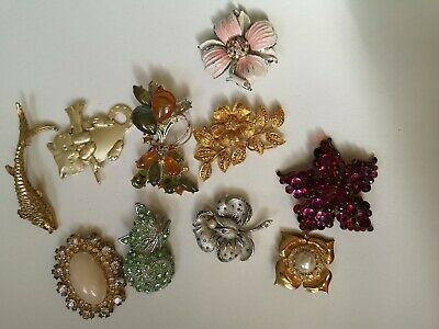 JOB LOT OF VINTAGE  MODERN COSTUME JEWELLERY Brooches ALL SIGNED