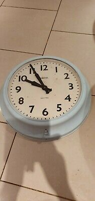 """Vintage Extra Large Smiths Sectric Wall Clock, 24 Inch Case. Electric, 17""""Face"""