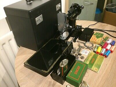 1955 Singer 222K Featherweight Free Arm Sewing Machine with Important attachment