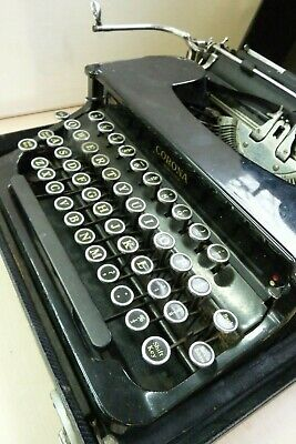 Vintage 1940 Smith Corona Silent Portable Manual Typewriter in Case UNTESTED 12E