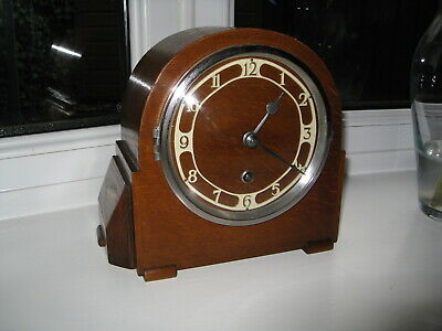 1930s/ 1940s Art Deco mantle clock, Restored,  Fully working.