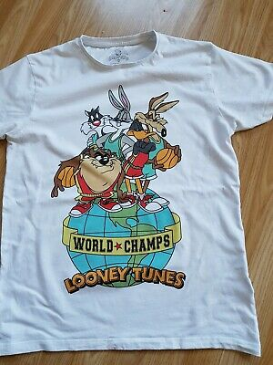 Looney tunes t shirt size M good condition