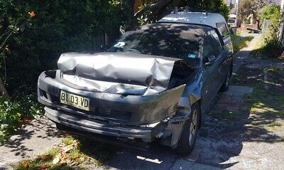 Damaged Holden Crewman Vy S-Pack 2004 No Wovr
