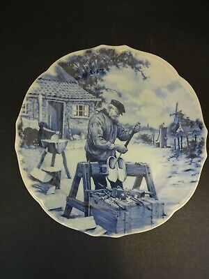Ter Steege BV Collectors Plate: Making Dutch Clogs