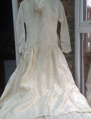 Vintage Wedding Dress With Fascinator Type Hat With Veil Size S