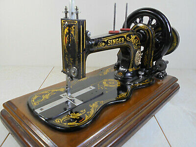 Antique Singer 12k 'New Family' Hand Cranked Fiddlebase Sewing Machine