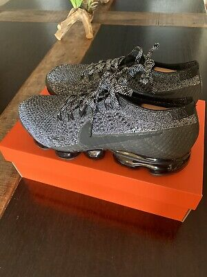 Nike Air Vapormax 2.0 Mens Size 10 Flyknit Shoes Black/White OREO 849558-041