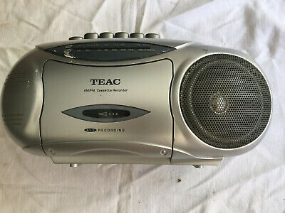 Teac Portable Stereo Radio Cassette Recorder Model No. PC-60 Works like new