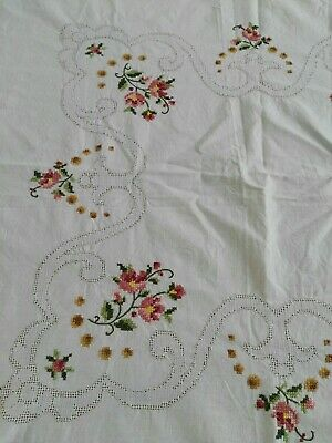 EMBROIDERED TABLE CLOTH - VINTAGE CROSS STITCH FLORAL. Shabbychic, high tea,