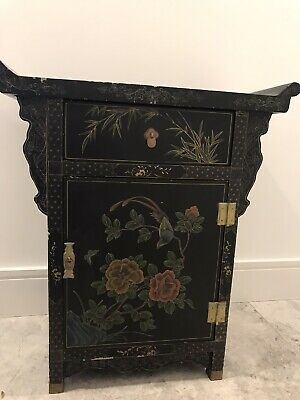Antique style chinese cabinet