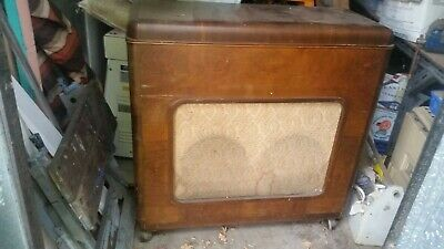 Antique Kriesler record player and Astor radio in wooden cabinet
