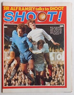 SHOOT Football Magazine - 10 April 1971 - Martin Peters, Jim Cook