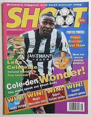SHOOT Football Magazine - 4 December 1993 - West Ham United, Ryan Giggs