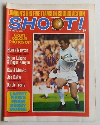 SHOOT Football Magazine - 28 March 1970 - Henry Newton, Derek Trevis