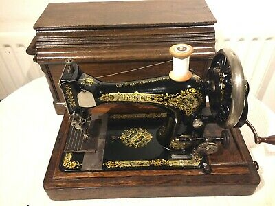 1909 Vintage Singer 28K Handcrank Sewing Machine, vintage quilting sewing,