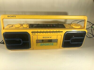 VTG Sony Sport CFS-950 Boombox Cassette Corder Radio Portable Beach Player FM/AM