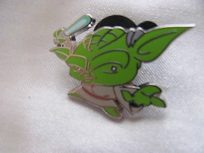 Disney Trading Pins 108419: Cute Star Wars Mystery Pin - Yoda only