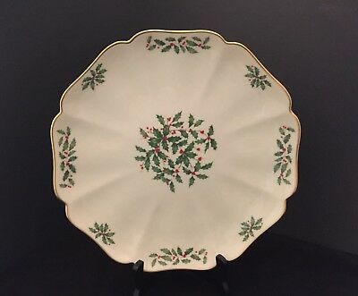 """Lenox Holiday Holly Berry Scalloped Round 12"""" Platter/Tray 24k Gold Trim Mint"""