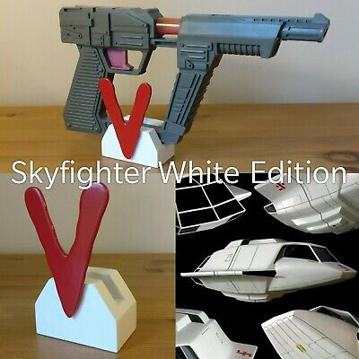 Arco/Robotech Toy Visitor Laser Pistol Blaster White Display Stand V Series