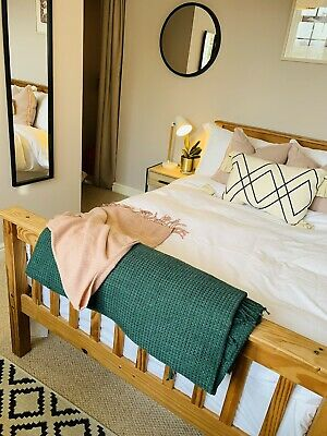 Stunning Weavers cottage In A Beautiful Town Near Bath.  With A Garden. Sleeps 2
